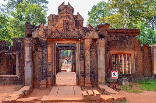 cambodia-angkor-building.jpg - One of the smaller temples on the Angkor complex.