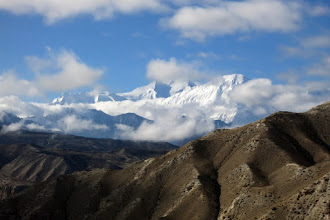 Photo: Ghiling (Annapurna I & Tilicho peak)