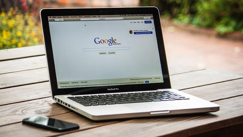 Los españoles suelen recurrir con bastante frecuencia a Google.