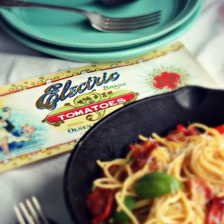 Spaghetti Carbonara with Tomato and Basil