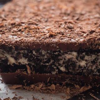Homemade Cookies and Cream Chocolate Dream Bar.