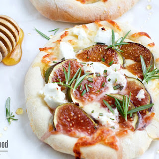 Small Figs and Goat Cheese Pizza