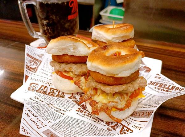英倫小廚 炒飯 捲餅 潛艇堡 美食 新莊美食 早午餐 外送 外帶