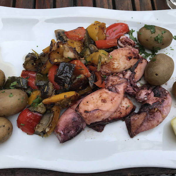 Grilled calamari with grilled vegetables