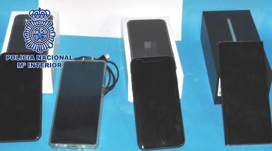 Tres detenidos por robar móviles de alta gama y venderlos en el mercado negro