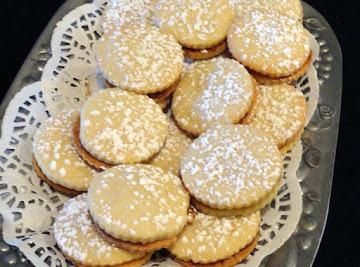 Dulce De Leche (caramel) Filled Shortbread Cookies Recipe