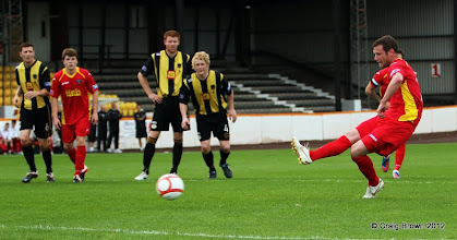 Photo: Berwick Rangers Football Club v Dunfermline Athletic Football Club - Pre Season Friendly Andy Kirk scores from the spotAt Shielfield Park, Berwick24/07/2012Craig Brown | StockPix.eu