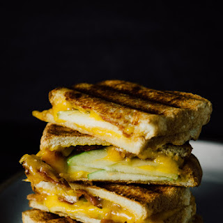Apple and Bacon Grilled Cheese (mydishisbomb.com)