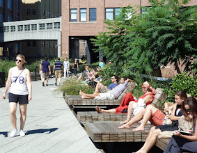 Photo: Catching rays on the High Line