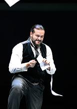 Photo: Theater an der Wien: La mère coupable Oper in drei Akten von Darius Milhaud . Premiere am 8.5.2015. Aris Agiris. Copyright: Barbara Zeininger