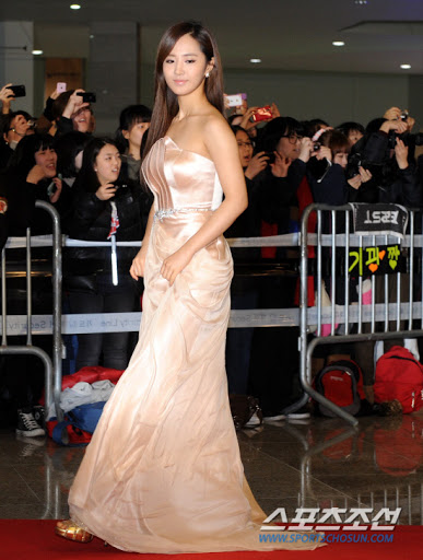 yuri gown 15