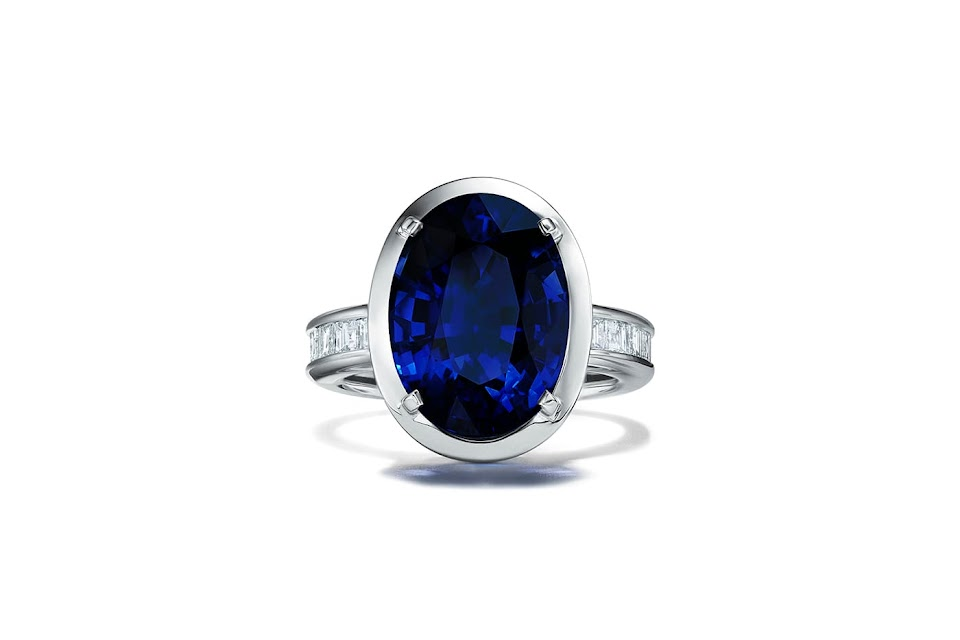 Tiffany_Jewel_Box_BlueBook_20419_Ring-in-platinum-wit_5948
