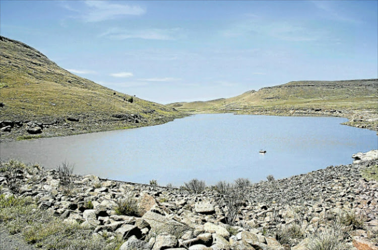 A warning has been issued for residents and farmers on the banks of the Inkobongo, Nahoon, Yellowwoods and Buffalo Rivers that Amatola Water will be releasing water from Wriggleswade Dam on Tuesday.