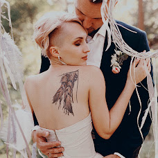 Wedding photographer Katerina Atroschenkova (KatyaMel). Photo of 02.10.2018