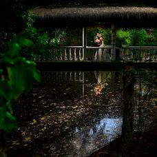 Wedding photographer Diego Huertas (cHroma). Photo of 22.11.2016