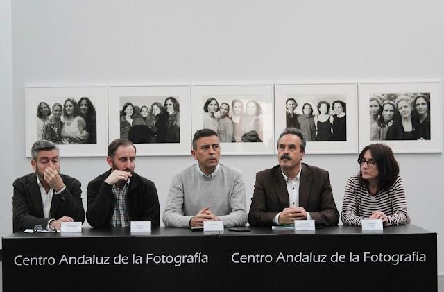 Presentación de las nuevas exposiciones en el Centro Andaluz de la Fotografía.