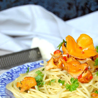 Spaghetti with Chanterelle Mushrooms and Cognac