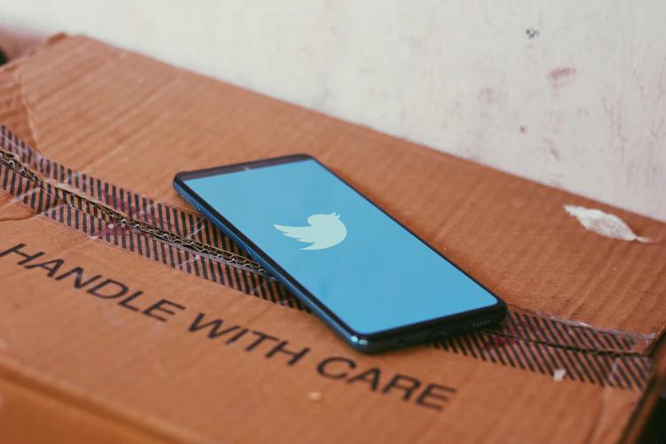 Conseguir aumentar seu engajamento no Twitter é fundamental para lucrar com as redes sociais e também se fazer presente no ambiente digital.