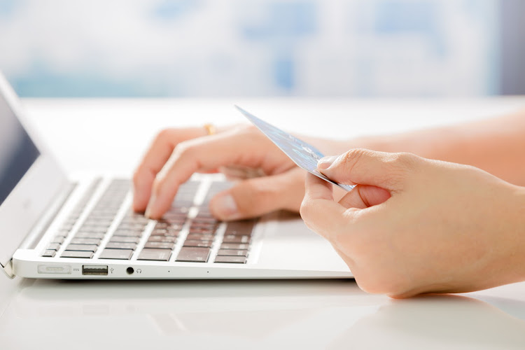 The government on Thursday announced that online shopping could immediately resume.