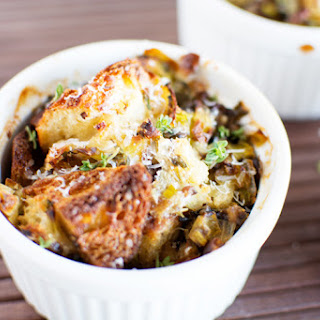 Sourdough Stuffing With Leeks and Mushrooms
