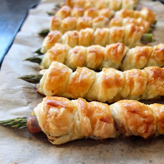 Asparagus and Parma Ham Twists with Pesto.