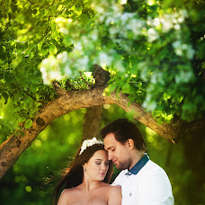 Wedding photographer Vladimir Shapovalov (promophoto). Photo of 14.05.2015