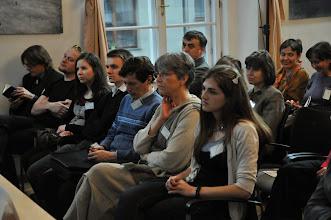 Photo: Pozorně naslouchající účastníci konference.