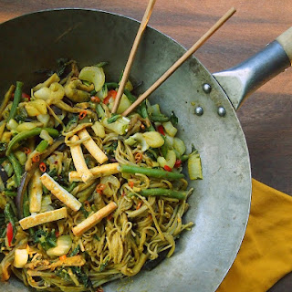 Vegetable and Soba Noodle Stir Fry with Peanut Sauce