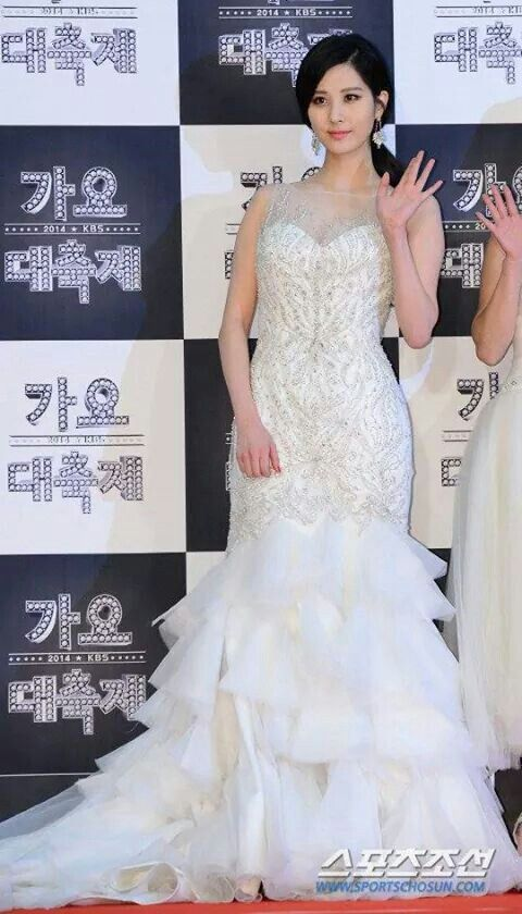 seohyun gown 13