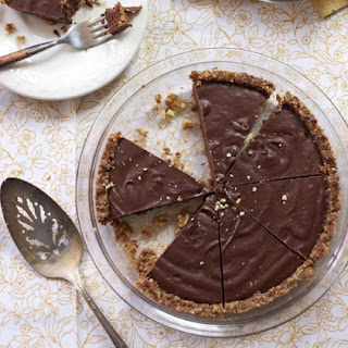 Kelly Brozyna's Paleo, Gluten-Free Chocolate Pie with Raw Graham Cracker Crust