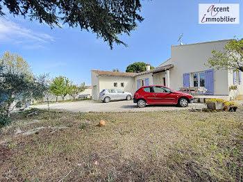 villa à Saint-Andiol (13)
