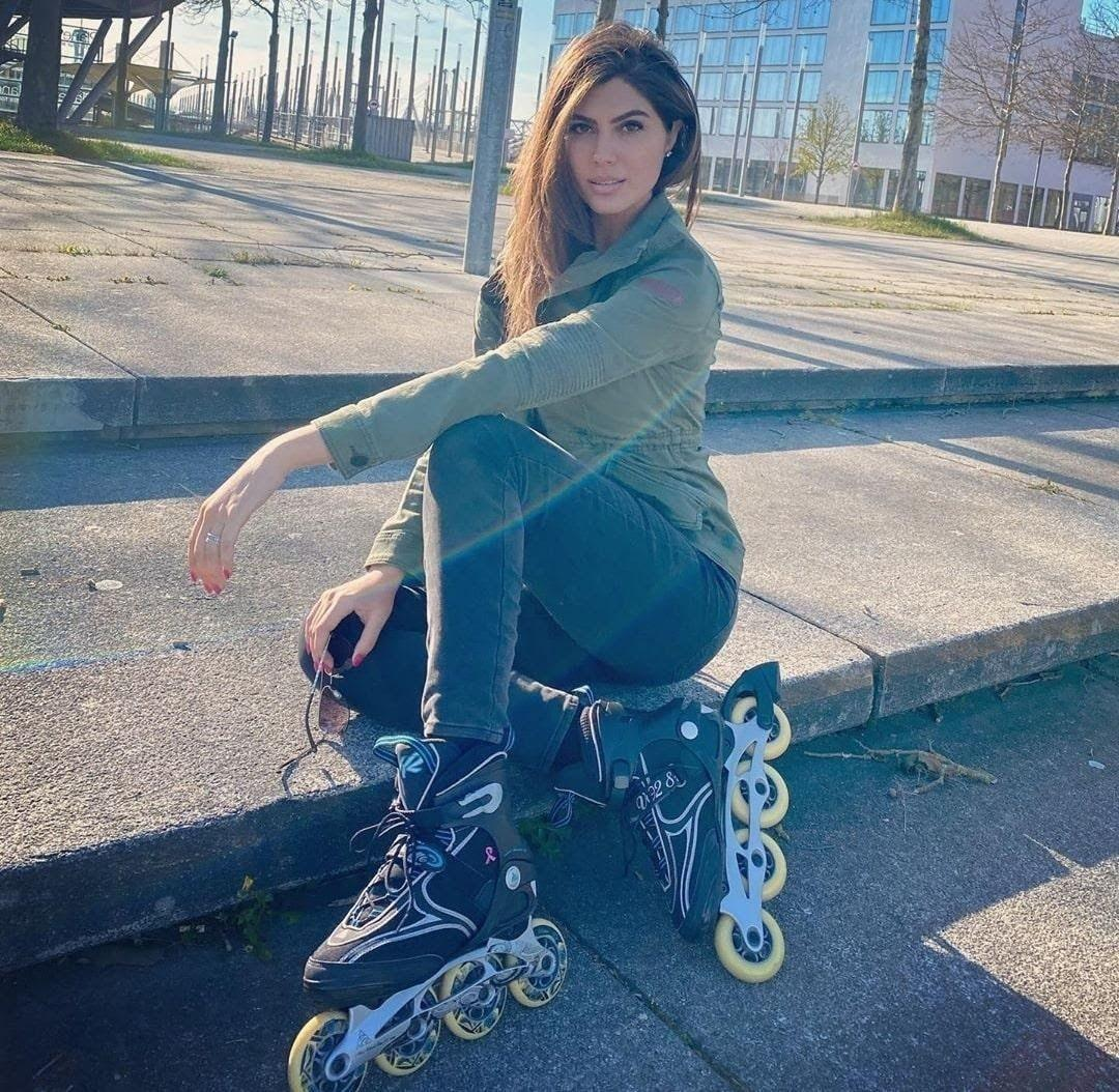 elnaaz norouzi in skates