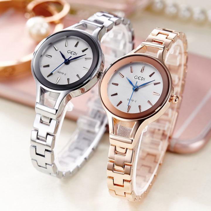 Đồng hồ được xem là một món phụ kiện cao cấp của nữ