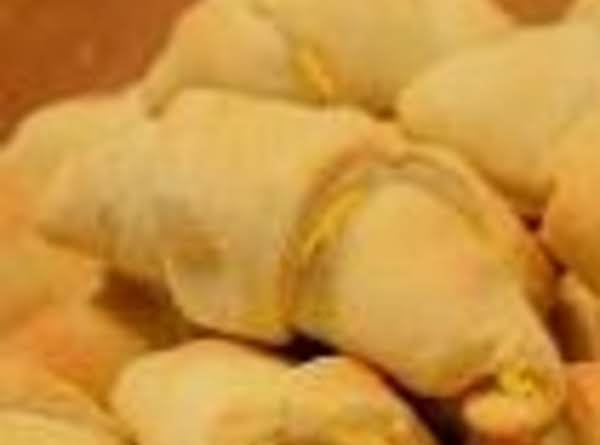 Almost Home Made Crescent Cheddar Rolls