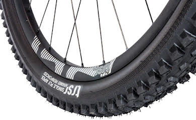 E*Thirteen TRS Race Tire, 27.5 x 2.35, Dual Compound,  Apex and Aramid Reinforced Casing, Tubeless alternate image 1