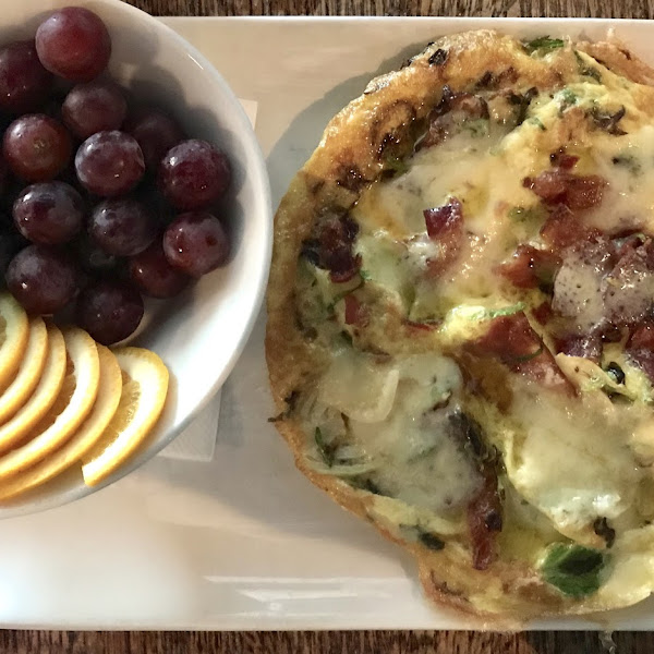 GF bacon and leek frittata with fruit cup (subbed for potatoes.)