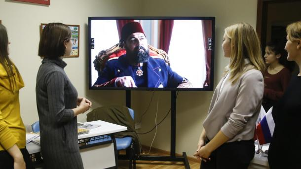 Благодаря турецким телесериалам российская молодежь идет учить турецкий язык