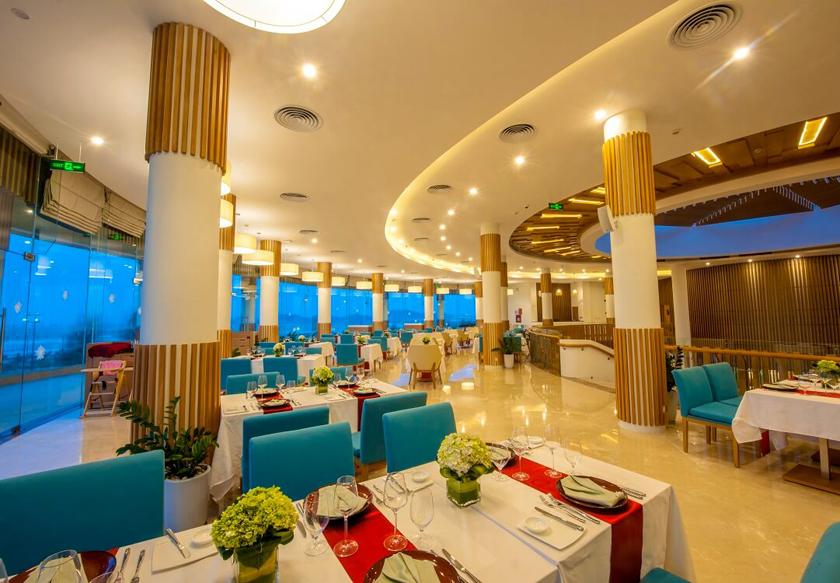 mistral top view restaurant FLC Luxury Resort Quy Nhơn