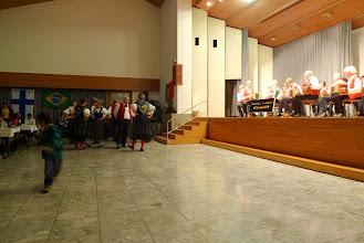 """Photo: Die Trachtengruppe Liestal geben eine zusätzliche Tanzeinlage zu unserem Schlussvortag """" im Örgelihuus"""""""