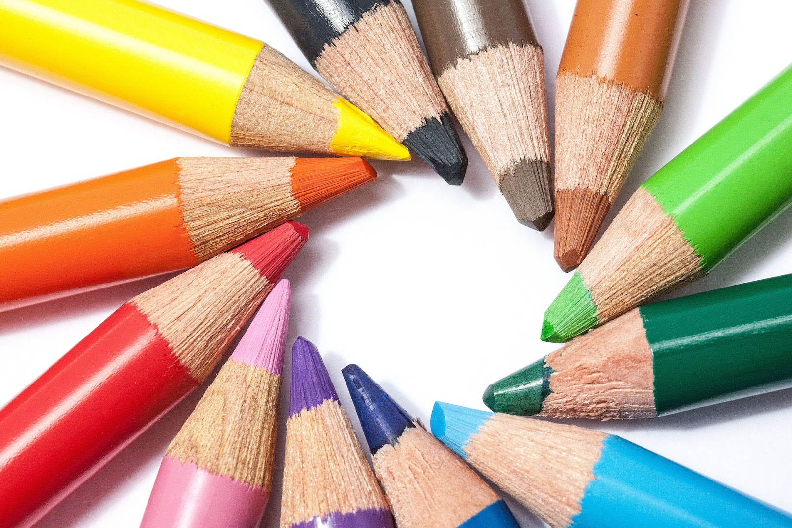 colored-pencils-374147_1920.jpg