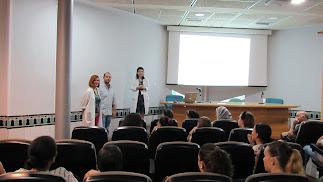 Acto de bienvenida a los alumnos en el hospital.