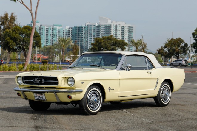 1965 Ford Mustang Convertible Hire CA