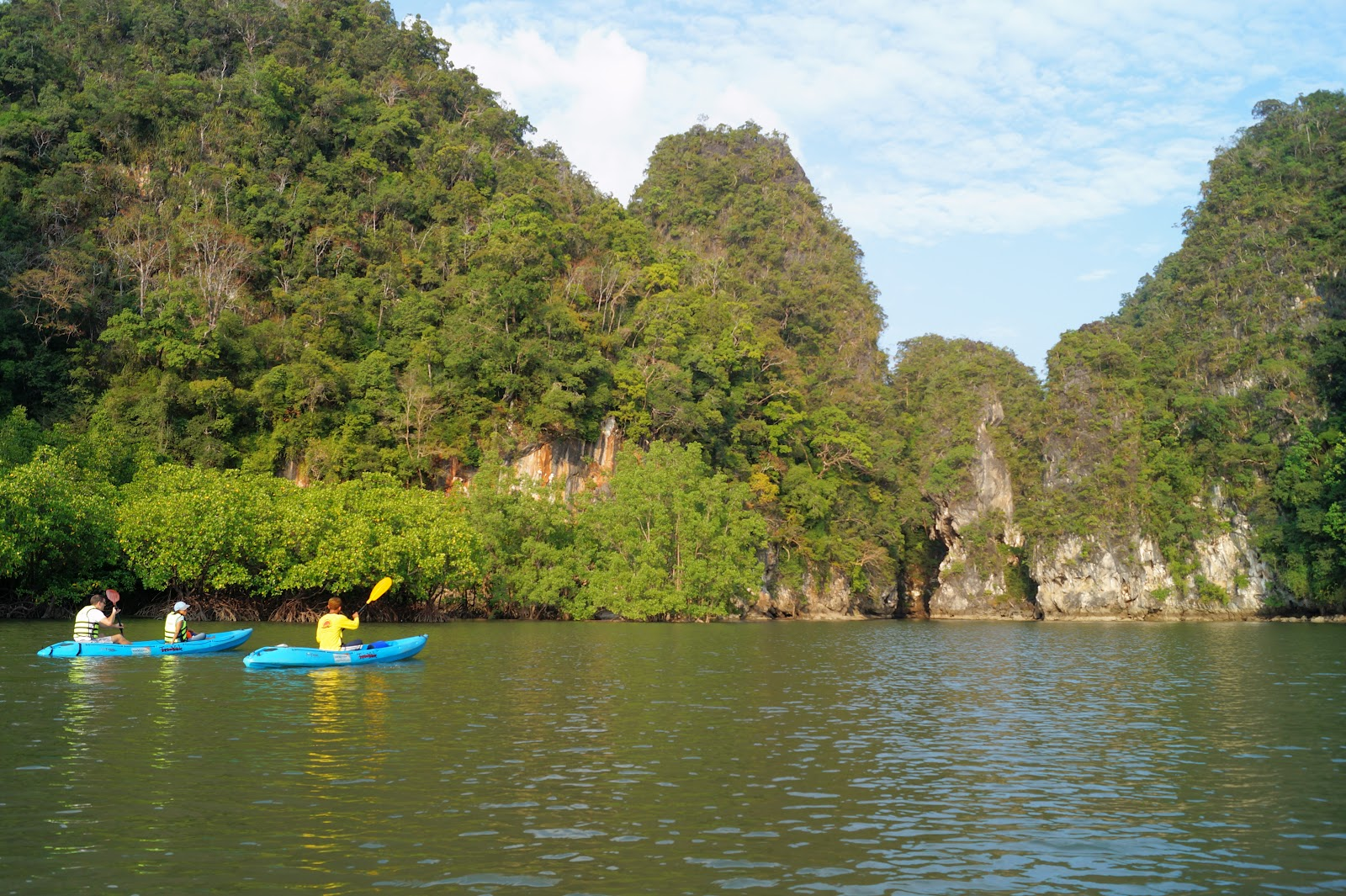 Sea Kayaking at Ao Thalane Bay & Hong Island from Krabi