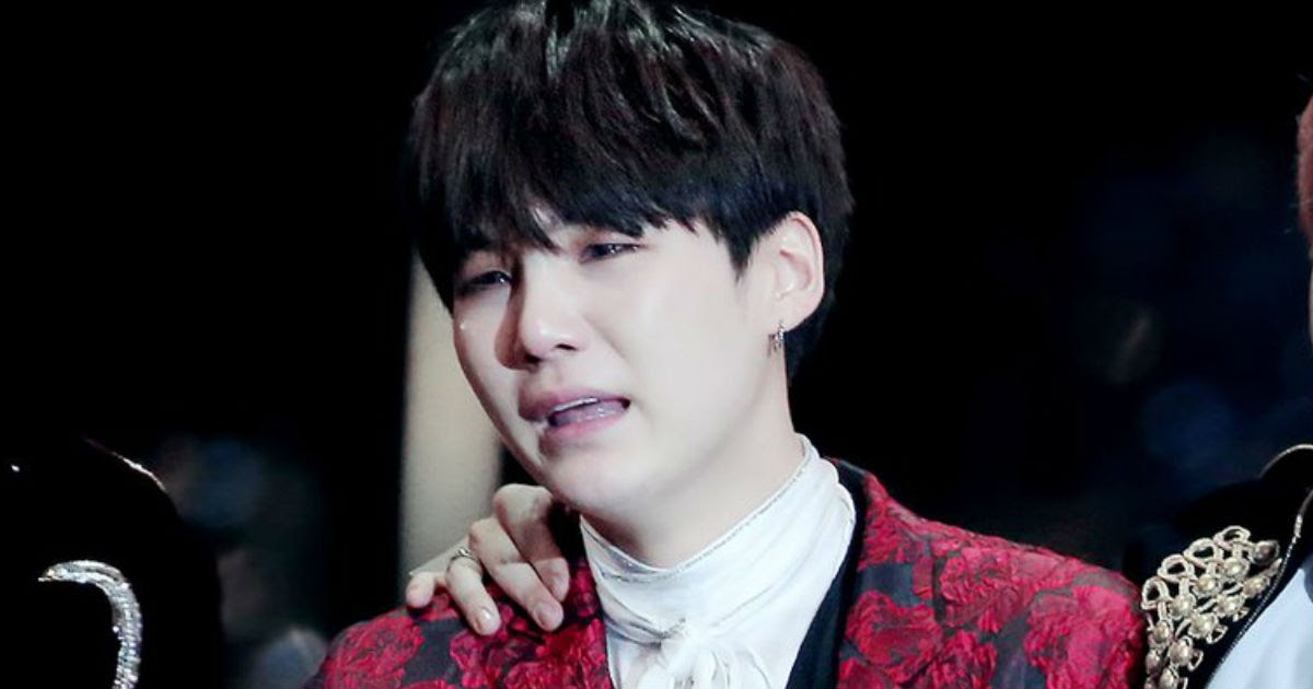 Suga cries over the success of Life Goes On on Billboard