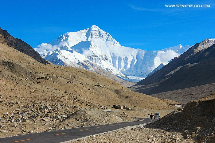 Gunung Everest dari kejauhan!