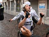 """🎥 """"Hij heeft het gedaan, jaaa!!"""": immense vreugde bij Victor Campenaerts en entourage na ritzege in de Giro"""