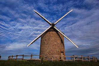 Photo: BRETANYA 2013. MONT SAINT-MICHEL (Normandia ). Moulin à vent de Moidrey.
