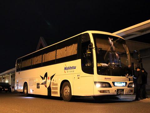 西鉄高速バス「桜島号」 4012 鹿児島本港高速船ターミナルにて_05