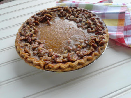 Pumpkin Pie with Praline Edge Recipe