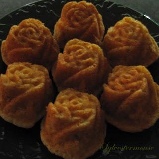 Easy Easter Flower Banana Bread Muffins.